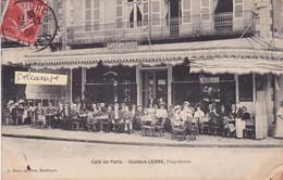 """03-MONTLUCON- """"CAFE De PARIS- GUSTAVE LENNE, PROPRIETAIRE-TERRASSE ANIMEE-Ecrite Le 26/12/1908-Edit. J. MORO OPTICIEN - Cafés"""
