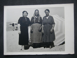 FEMMES DONNE WOMEN MER MARE SEASIDE SASSARI PLATAMONA 1957 - Persone Anonimi