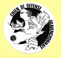 AUTOCOLLANT STICKER - CHIEN DE DÉFENSE GRAVENCHONNAIS - NOTRE DAME DE GRAVENCHON - Stickers