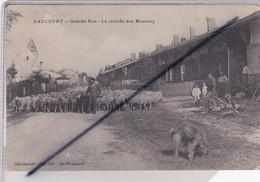 Daucourt (51) Grande Rue . La Rentrée Des Moutons - Other Municipalities