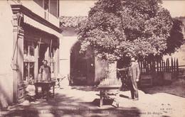 Ardèche : LA LOUVESC : La Place De La Fontaine Miraculeuse St. Régis - La Louvesc