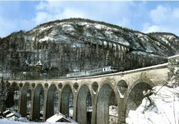 Le Train St Claude Dole Formé Des X2802 Et 2835 Francji Le Grand Viaduc De Morez RV - Altri Comuni