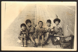 Boys And Girls On Street Teddy Bear Old Photo 14x9 Cm #32022 - Personnes Anonymes