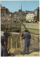 Honfleur - Réparation De Filet, Au Fond La Place Hamelin - 14 - (Calvados) - Honfleur