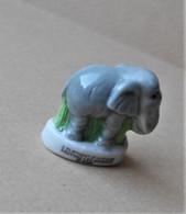 Fève 2001 WWF Sauvons Les Animaux * éléphant D'afrique (T 1659) AFF 2001 Page 37 - Dieren