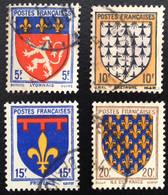 N° 572  A  575   OBLITÉRÉS  ( LOT:2288 ) - 1941-66 Stemmi E Stendardi