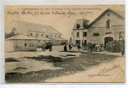 29 CONCARNEAU Carte RARE La Criée Aux Poisson Et Magasins DEYROLLE GUILLOU  écrite 1902  Timbrée   D08 2021 - Concarneau