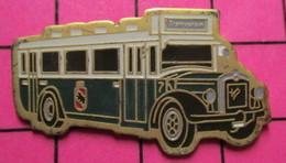 2619 Pin's Pins / Beau Et Rare / THEME : TRANSPORTS / AUTOBUS URBAIN VERT ET BLANC TRAMVEREIN Tirage Numéroté 167 - Transportation