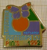 LAUSANNE PRINTEMPS DU PIN'S 1992 SUISSE - Città