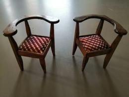 2 Chaises De Coin  Pour Maison De Poupée Bois Et Tissus - Autres