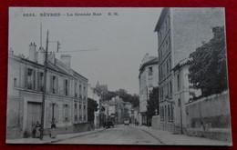 CPA Sèvres - La Grande Rue - Sevres