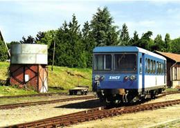 Gare De Valencay Chemin De Fer Du Blanc à Ambert Autorail CFD X241 Devant Le Chateau D'eau RV - Otros Municipios