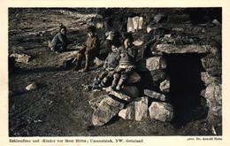 Grönland, Eskimofrau Und Kinder Vor Ihrer Hütte, Umanatsiak, Phot. Dr. Arnold Heim - Greenland
