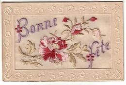 CP Brodée - Bonne Fête - Fleurs Rose - écrite 1917 - Embroidered
