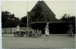 Postcard DENMARK? Women And Children - Cartolina Danimarca? Donne E Bambini - Denmark