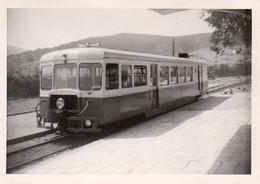Photographie Anonyme Vintage Snapshot Train Locomotive Micheline - Trains