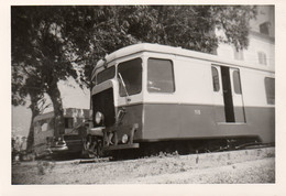 Photographie Anonyme Vintage Snapshot Train Locomotive Micheline Caravane - Trains