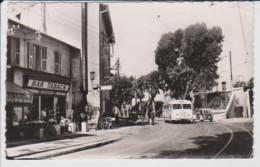 06 – NICE – SAINT AUGUSTIN – BAR TABAC (1954) – AUTOCAR - CP SM Noir Et Blanc - Cafés, Hotels, Restaurants