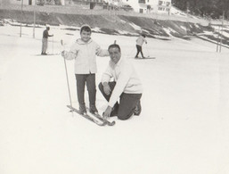 11699.  Fotografia Vintage Uomo Bambina Roccaraso Febbraio 1961 Sci Neve - 12x9 - Luoghi