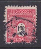 Perforé/perfin/lochung France 1945 No 708 B.C. Bouchet Et Cie Ou Banque Nationale De Crédit - Perforés