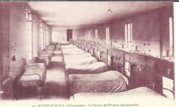 Cpa 63 Royat - Ordre Des Franciscaines , Un Dortoir De L'hospice Des Incurables - Royat