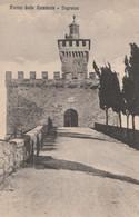 CARTOLINA VIAGGIATA ROCCA DELLE CAMINATE INGRESSO 1930 TIMBRO PREDAPPIO NUOVA -EMILIA (HC1190 - Otras Ciudades