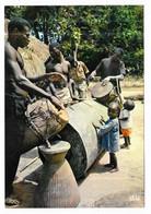 Afrique En Couleurs Tam-tam Au Village - Sin Clasificación