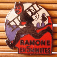 Joli Pin's Ramoneur, Démons & Merveilles, émail Grand Feu, TBQ, Pins Pin. - Altri