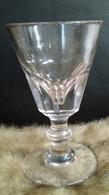 Verre à Absinthe Ancien En Verre Rosé Soufflé Bistrot 1900, Taille Baccarat - Glasses