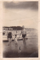Old Real Original Photo - Naked Man Nude Little Boy Woman In Bikini On The Beach - Ca. 9x6.5 Cm - Shot 1948 Varna - Anonymous Persons