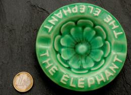 Ancien Cendrier Fleur Du Thé ELEPHANT Anémone Verte PROCERAM à Aubagne - Ashtrays