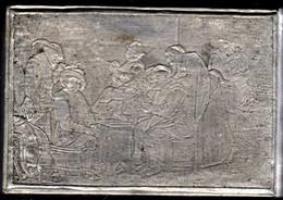 Boite à Timbres Fin XIXème Siècle, étain Au Décor De Taverne Flamande - Stamp Boxes