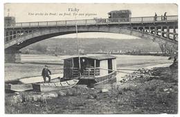 VICHY: Une Arche Du Pont Au Fond Tir Aux Pigeons (péniche) - Vichy