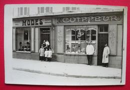 Coiffeur Barbier J.Coste Carte-photo Boutique Modes Coste-Garni Barber Hairdresser  Sans éditeur Dos Scanné à Localiser - A Identificar