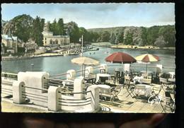 61 - BBagnoles De L'Orne : Le Lac Et Le Casino Vus Des Terrasses Des Thermes - Casinos