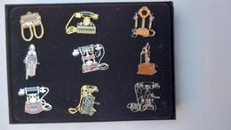 Pins. Oude Telefoons In De Originele Doos. 4 Scans. Anciens Téléphones Dans La Boîte Originale. - Lots