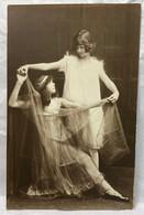 Girl, Dancing, Unused, Children Postcard - Scenes & Landscapes