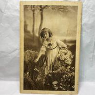 Girl, MARGARINE BRUNITA 27, Unused, Children Postcard - Scenes & Landscapes