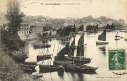 DOUARNENEZ  Le Grand Port Bateaux De Peche RV - Douarnenez