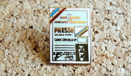 Pin's MEDIA PRESSE TELE RADIO - Carte De Presse Des JOURNALISTES - EMAIL - Fabricant TABLO Paris - Mass Media