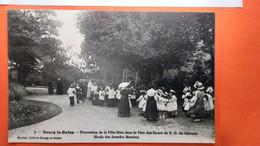 CPA.(92)  Bourg La Reine.Procession De La Fête Dieu Dans Le Parc Des Soeurs De ND Du Calvaire.    (R.657) - Bourg La Reine