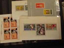 Vrac De 320 Blocs Et Feuillets Neufs Sans Charniere - Lots & Kiloware (mixtures) - Max. 999 Stamps