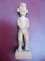 Ancienne Statue En Bois A Identifier. - Legni