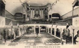 D17  SAINTES  Salle Du Cinéma Palace Prise De La Scène .......... Carte Peu Courante - Saintes
