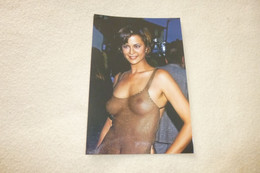 BELLE REPRODUCTION PHOTO ...CATHERINE BELL SEXY...HAUT TRANSPARENT - Personalidades Famosas