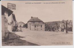 01 – RUFFIEU EN VALMOREY – La Place Et Le Monument Aux Morts –Hôtel Feuillet - Neuve Non Circulée - Autres Communes