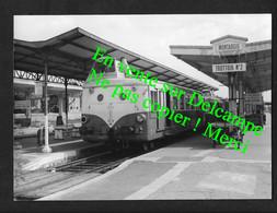 Montargis / Loiret  / Beau Cliché 1959 Photo Authentique Avec Cachet Bazin Autorail Train Locomotive SNCF - Trenes