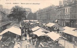 ELBEUF - Marché Place De La République - Elbeuf