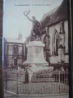 Dpt 50 La Bonneville Le Monuments Aux Morts Ed Crevel - Sonstige Gemeinden