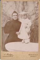 CABINET - Portrait Mére Et Enfant Au Costume Blanc Par Badoge à Marseille (BP) - Old (before 1900)